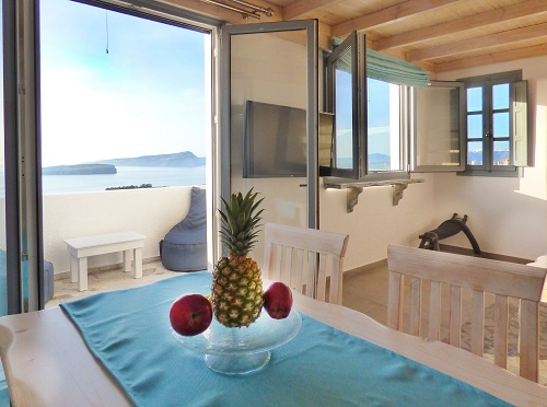 ACCOMMODATION in Akrotiri Santorini